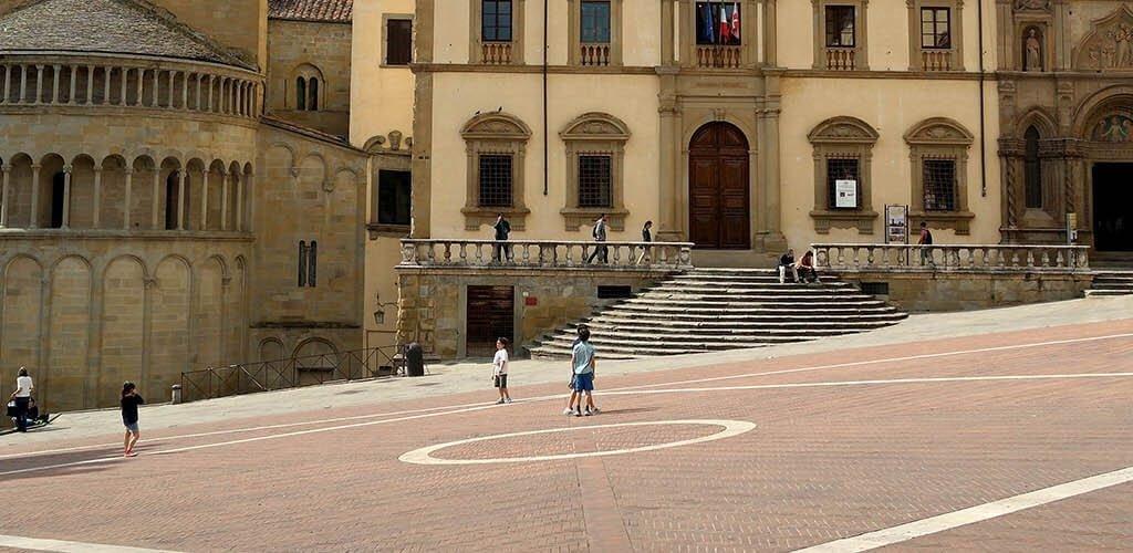 Volantinaggio ad Arezzo