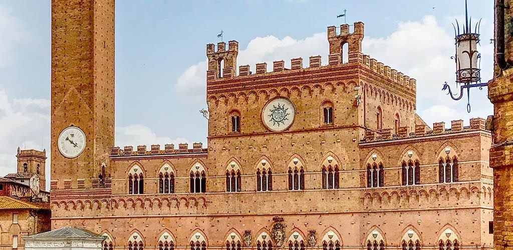 Volantinaggio a Siena